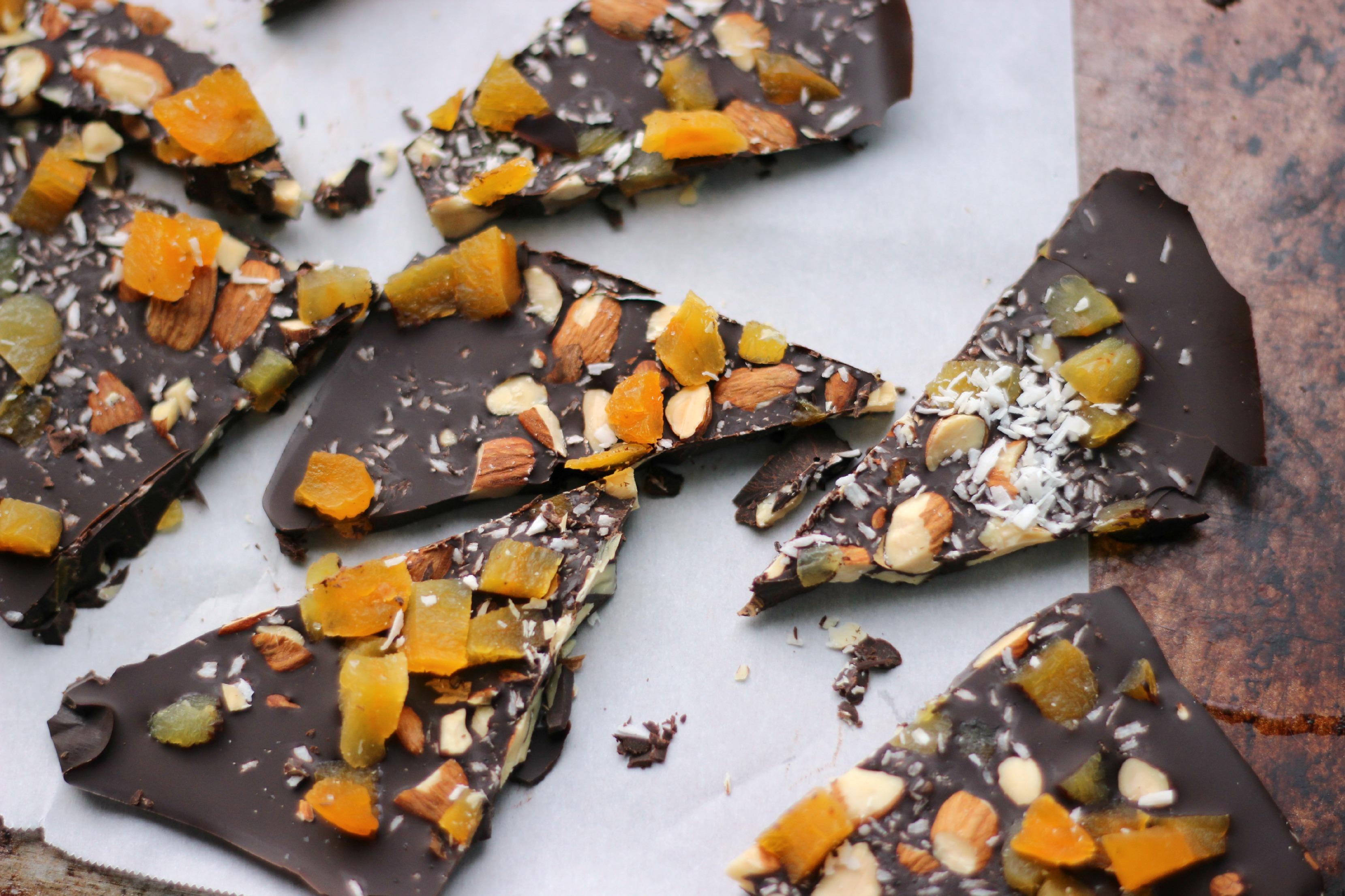 Dark Chocolate Bark with Apricot, Almonds, and Sea Salt ...