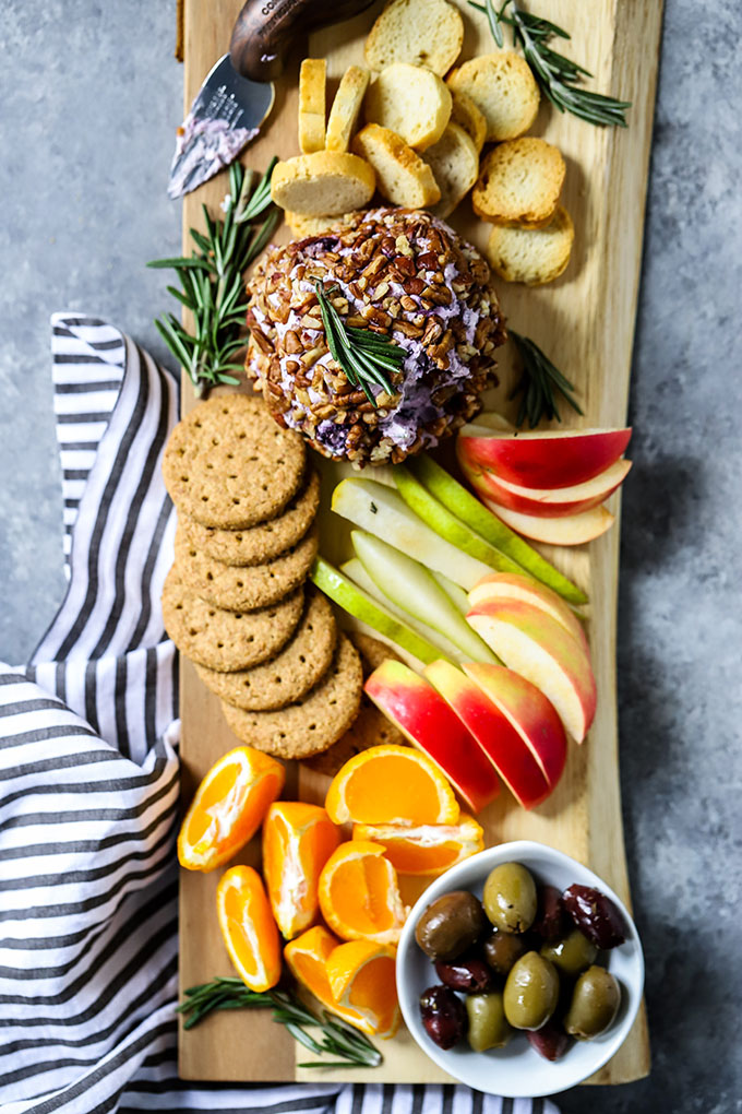 Goat Cheese Ball with Blueberry and Rosemary 3