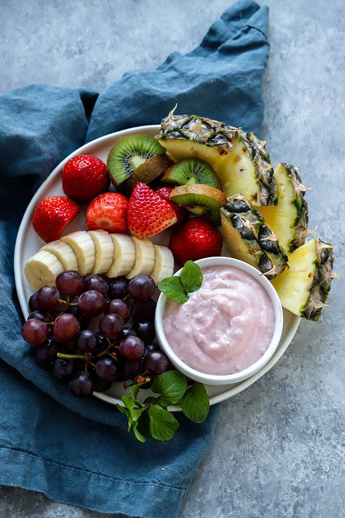 Strawberry Yogurt Fruit Dip | Healthy fruit dip made with only 3 ingredients!